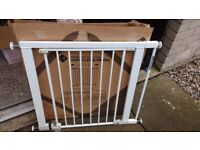 stair gate plus extension, boxed and excellent