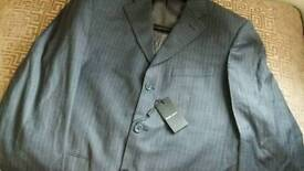 Christmas Gift BNWT Mens Armani suit UK Size 42 EUR Size 52 pent 36 size with bag