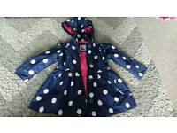 Gorgeous 3-4 yrs coat polka dot, dotty navy and white