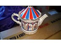 Sadler Bandstand teapot - **excellent condition**
