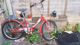 Girl's bicycle it is good condition