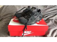 Black Nike Huraches - UK Size 4