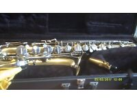 AMERICAN TENOR SAXOPHONE ( made in U.S.A.) by the SELMER / BEUSCHER COMPANY V.G.C AS NEW