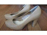 Tan Mid Heels Shoes