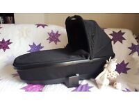 Quinny Foldable Carrycot in Black Devotion for Moodd or Buzz Prams - in great condition
