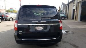 2014 Chrysler Town & Country DUAL AIR/HEAT-BACK UP CAMERA-PWR LI Windsor Region Ontario image 4