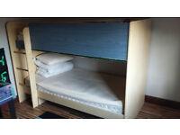 Solid bunk bed