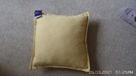 VARIOUS BRAND NEW CUSHIONS