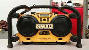 DeWALT Jobsite Work Radio & Charger