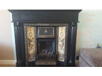Victorian style Gas fire ans surround, fully functional £ 100,-- ono
