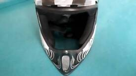CARBON MOUNTAIN BIKE HELMET(NEW CONDITION) £40