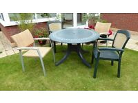 GARDEN TABLE & 4 CHAIRS - Bargain!