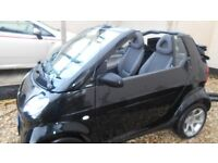 SMART FORTWO PURE 61 CONVERTABLE. BLACK. SEMI AUTO. LOVELY LITTLE CAR. £30 ROAD TAX.