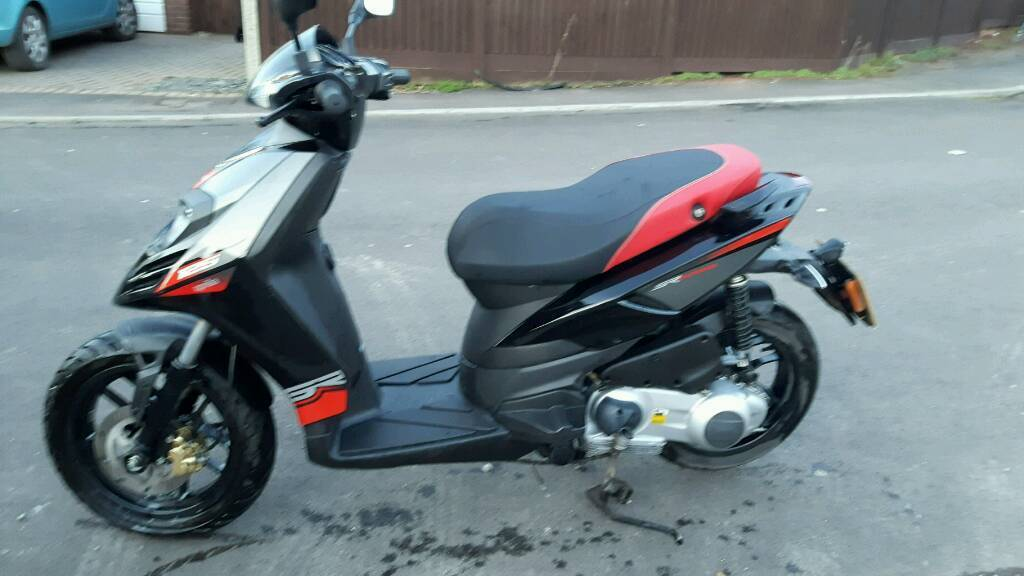 aprilia sr motard 125 in yate bristol gumtree. Black Bedroom Furniture Sets. Home Design Ideas