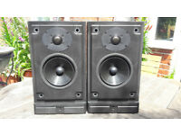 Mordaunt Short MS20i Pearl Edition speakers in black.