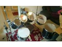 7 Piece Pearl Export Kit plus Cymbals and Stool