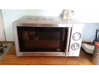 Lovely compact logik Microwave in excellent condition very clean no rust £24.99