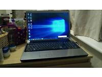 17 inch Dell Studio * Webcam * Hdmi * Illuminated keyboard * Win7