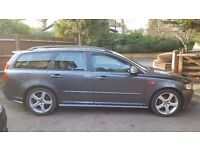 Volvo V50 R-Design | Estate | 6 Speed Manual | 1.6 d | 115 bhp | 2 keys | 2 Owners