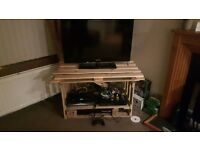 Retro TV unit made from pallets