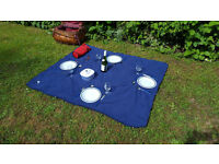 A picnic set for four people – ideal for outdoor pursuits