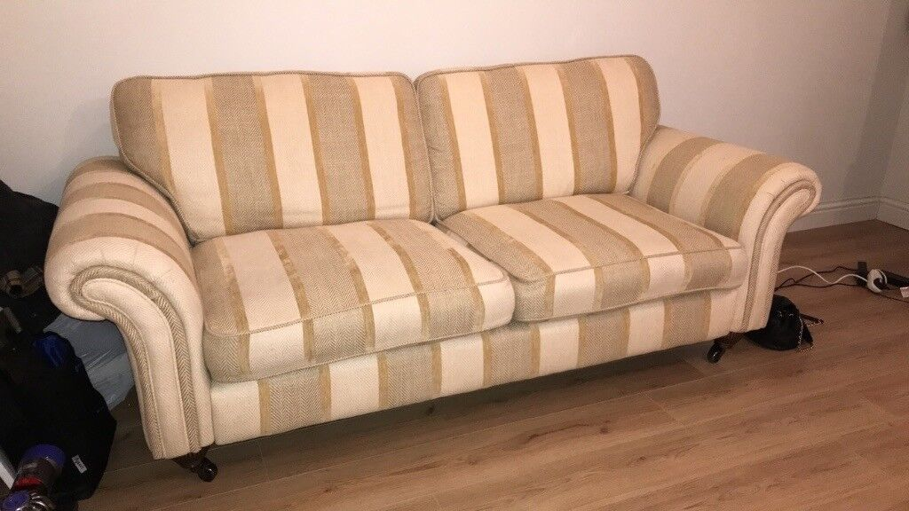 Classic British DFS 3 seater sofa