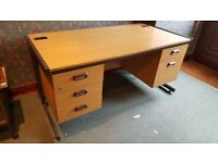 5 drawer Office Desk - solidly built - Excellent Condition