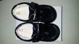 BLACK GLOSS SIZE 6 CHILDRENS KIDS WEDDING / CELEBRATION SHOES - BOXED AS NEW