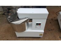 COMMERCIAL ITALIAN 30L DOUGH MIXER BRAND NEW PIZZERIA RESTAURANT BAKERY DINER TAKEAWAY CAFE HOTEL
