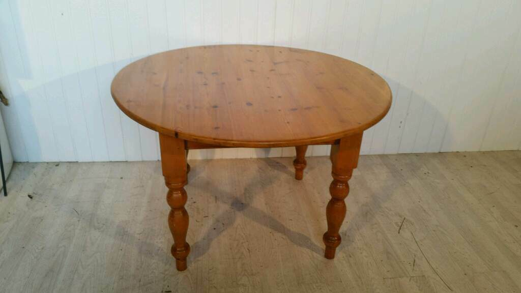 Large Solid Pine Round Dining Table In Muirhouse Edinburgh Gumtree - Solid pine round dining table