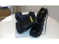 DeWalt new protective working boots, never worn size 8.