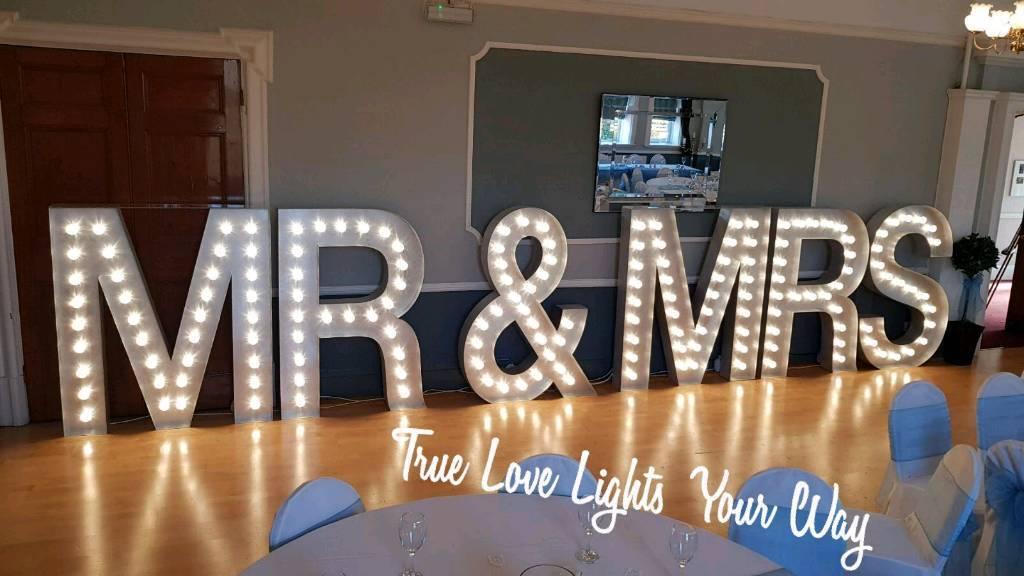 5ft Light up Mr & Mrs love letters for hire Nottingham