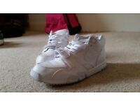 Women's White Nike Air Trainers UK Size 7 As Good As New £20