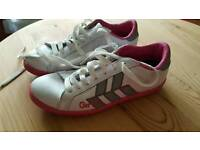 GIO GOI TRAINERS SIZE 4 (WORN ONCE)