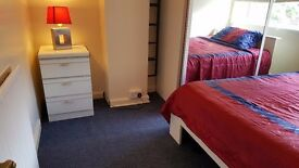 A lovely furnished double bedroom in Mottingham is available to rent in a shared house