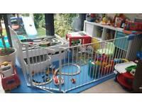 Baby den playpen / room divider / hearth gate by BabyDan