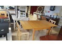 Extendable wooden Dining Table with 2 Chairs