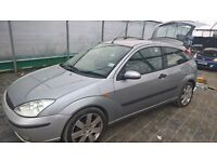 breaking ford focus grey all parts available