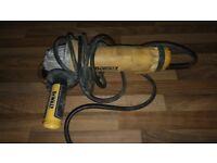 Dewalt grinder 110v Dwe4206 full working order! Just plug been damaged! Can deliver or post!