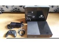 XBOX ONE 1TB BLACK CONSOLE PLUS CONTROLLER - WITH 1 GAME - FULLY BOXED - ISLINGTON AREA - £145!!!!!