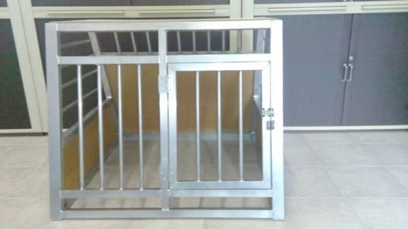 hundebox f r auto in bayern pilsting hundezubeh r. Black Bedroom Furniture Sets. Home Design Ideas