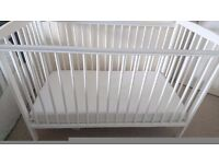 White wood cot - perfect condition