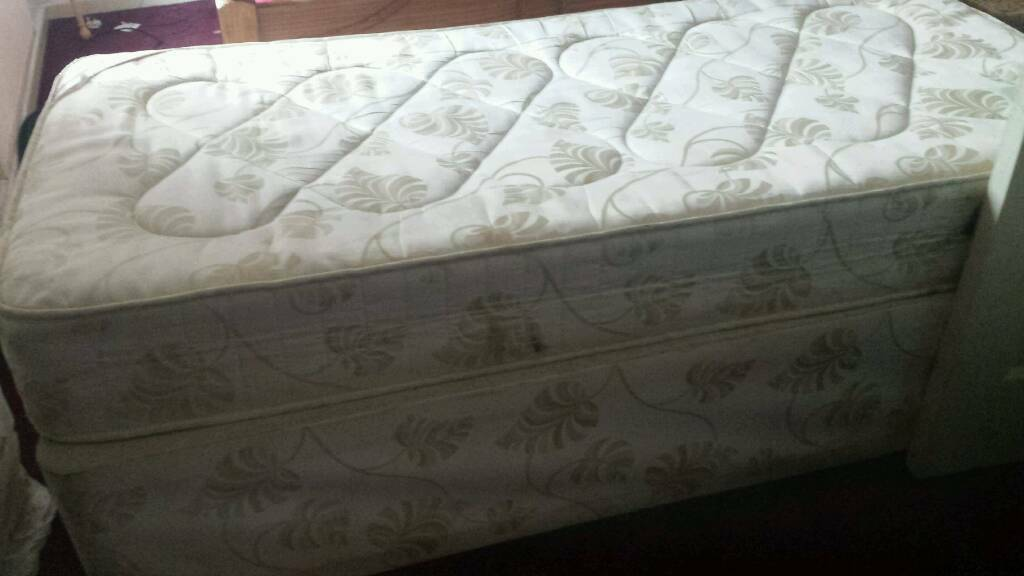 Single bed and mattressin Sheldon, West MidlandsGumtree - Single bed and mattress free to collector from Sheldon b26 need gone asap