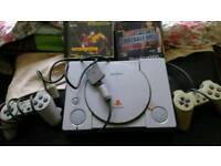 PlayStation 1 console 2 controllers + 2 games