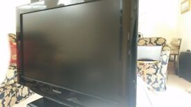 32INCH LCD PANASONIC VIERA TV. FREEVIEW AND FREESAT