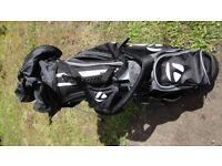 VARIOUS MAKE GOLF BAGS IN VERY GOOD CONDITION. TAYLORMADE,TITLIEST ETC