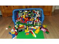 2000+ Lego pieces