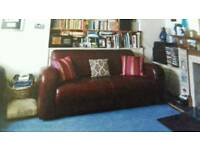 Beautiful italian leather sofa. Excellent condition. Free delivery