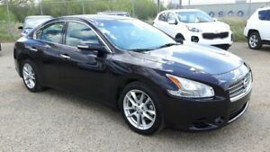 2011 Nissan Maxima Leather, Power sunroof, Heated steering and S