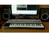 Korg Micro kontrol 37 keys controller keyboard vgc